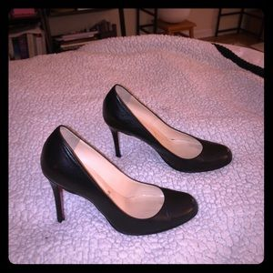Christian Louboutin Simple pump. Size 36.